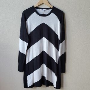 VOLCOM Black white long pullover sweater L 14